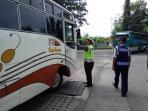operasi-kelengkapan-bus_20160630_110421.jpg