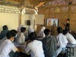 para-siswa-smk-mengikuti-workshop-yang-diselenggarakan-gmedia.jpg