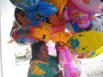 pedagang-balon_20180114_175749.jpg