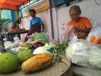 pedagang-di-pasar-kluwih-yogyakarta.jpg