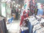 pedagang-pakaian-di-pasar-beringharjo-lika-35.jpg