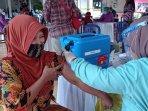pelaksanaan-vaksinasi-di-balai-desa-karangsewu-kapanewon.jpg
