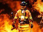pemadam-kebakaran_20171024_194722.jpg