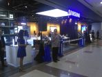 pembukaan-outlet-samsung-experience-store-ses_20171212_195700.jpg