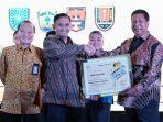 pemerintah-kota-magelang-berhak-atas-penghargaan-indonesia-road-safety-award.jpg