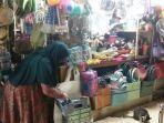 pemilik-kios-dina-di-pasar-beringharjo-suparti.jpg