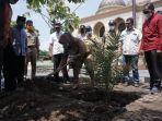 penanaman-pohon-kurma-jenis-ajwa-di-masjid-al-aqsha-klaten.jpg