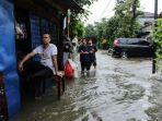 penyebab-banjir-kepung-jakarta-hingga-anies-baswedan-pantau-wilayah-terdampak-lewat-udara.jpg