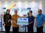 penyerahan-klaim-asuransi-dari-bank-jateng-dan-equity-life-indonesia.jpg