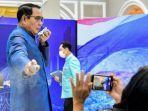 perdana-menteri-thailand-malah-semprot-disinfektan-ke-muka-jurnalis.jpg