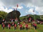peringati-sumpah-pemuda-1000-bendera-merah-putih-dikibarkan-di-watu-gendong-ngawen.jpg