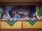 pimpinan-dan-pengurus-pusat-muhammadiyah-saat-press-conference_20171116_180131.jpg