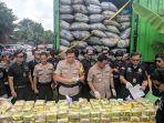 polisi-tangkap-pengedar-kelas-kakap-yang-hendak-selundupkan-120-kg-sabu-sabu.jpg