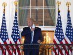 presiden-as-donald-trump-melepas-masker-saat-kembali-ke-gedung-putih-dari-pusat-medis-militer.jpg