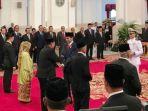 presiden-joko-widodo-memberikan-gelar-pahlawan-nasional_20181108_145727.jpg