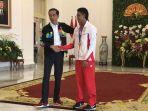 presiden-joko-widodo-saat-menyambut-juara-lari-100-meter-dunia-under-20-lalu-muhammad-zohri_20180718_164707.jpg