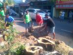 proses-evakuasi-pohon-tumbang-di-jalan-sisingamaraja-jumat-45_20180504_223506.jpg