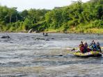 rafting-sungai-progo-1_20160605_105342.jpg