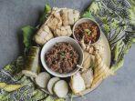 resep-membuat-lontong-makanan-tradisional-khas-lebaran.jpg