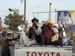 resmi-tinggalkan-afghanistan-yang-dikuasai-taliban-as-preteli-persenjataan-militernya-1.jpg