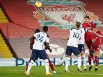 roberto-firmino-mencetak-gol-kedua-timnya-di-liga-inggris-liverpool-vs-tottenham-hotspur.jpg