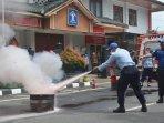 rutan-kelas-iib-wates-gelar-simulasi-pencegahan-kebakaran.jpg