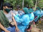 sebanyak-1000-pelaku-wisata-mendapatkan-suntikan-vaksin-di-gua-selarong.jpg