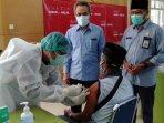 sebanyak-200-calon-jemaah-haji-menerima-vaksin-covid-19.jpg