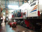 selesaikan-pengecekan-balai-yasa-pastikan-kereta-api-angkutan-lebaran-siap-beroperasi.jpg