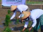 sharp-tingkatkan-kesejahteraan-petani-di-masa-pandemi-melalui-program-sharp-mapan.jpg