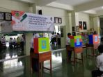 siswa-siswi-smpn-2-yogyakarta-sedang-melangsungkan-pesta-demokrasi_20180115_224832.jpg