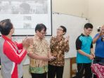 smp-institut-indonesia-saat-melaunching-web-sekolah_20180120_171104.jpg