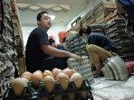 stok-telur-ayam-akan-ditambah-jelang-lebaran-harga-diperkirakan-naik-tipis.jpg