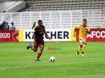 striker-psm-makassar-osas-saha-dalam-laga-piala-afc-2020.jpg
