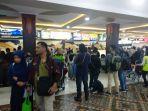 suasana-bandara-internasional-adisutjipto-yang-sudah-mulai-sibuk-di-h-8-lebaran.jpg