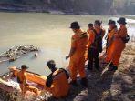 suasana-pencarian-pria-yang-menceburkan-diri-ke-sungai-progo_20180726_213455.jpg