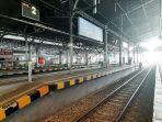 suasana-tidak-ada-penumpang-dan-kereta-sama-sekali-tak-beroperasi-di-stasiun-tugu-yogyakarta.jpg