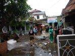 sungai-belik-meluap-ratusan-rumah-warga-di-klitren-kebanjiran.jpg