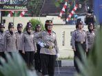 tak-biasa-polisi-wanita-jadi-petugas-upacara-di-mapolres-bantul_20180917_150419.jpg