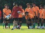 taktik-permainan-timnas-indonesia-u-19-akan-berkembang-pesat-ini-syaratnya-menurut-shin-tae-yong.jpg