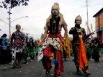 tarian-garuda-nusantara-tutup-karnaval-budaya-desa-grabag.jpg