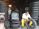 terimbas-pandemi-corona-penjual-ban-bekas-kendaraan-di-kota-yogyakarta-alami-penurunan-omzet.jpg