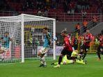 theo-hernandez-mencetak-gol-2-0-di-liga-italia-serie-a-antara-ac-milan-vs-venezia.jpg