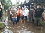 tinjau-korban-banjir-di-pesu-bupati-klaten-sri-mulyani-52-rumah-terendam-parah-125-kk-terdampak.jpg