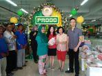toko-progo-memberikan-250-paket-sembako_20180613_140255.jpg