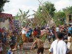 tradisi-unik-bajong-banyu-di-magelang-perang-air-sambut-ramadhan.jpg