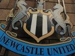 tulisan-newcastle-united-di-stadion-st-james-park.jpg
