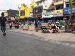 turis-jepang-punguti-sampah-malioboro-2_20170909_173927.jpg