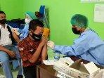 vaksinasi-covid-19-bagi-pelajar-yang-diinisasi-dinkes-gk.jpg
