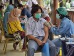 vaksinasi-covid-19-massal-untuk-pelajar-di-smp-dan-sma-islam.jpg